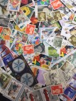 100 x 19p mixed postage stamps